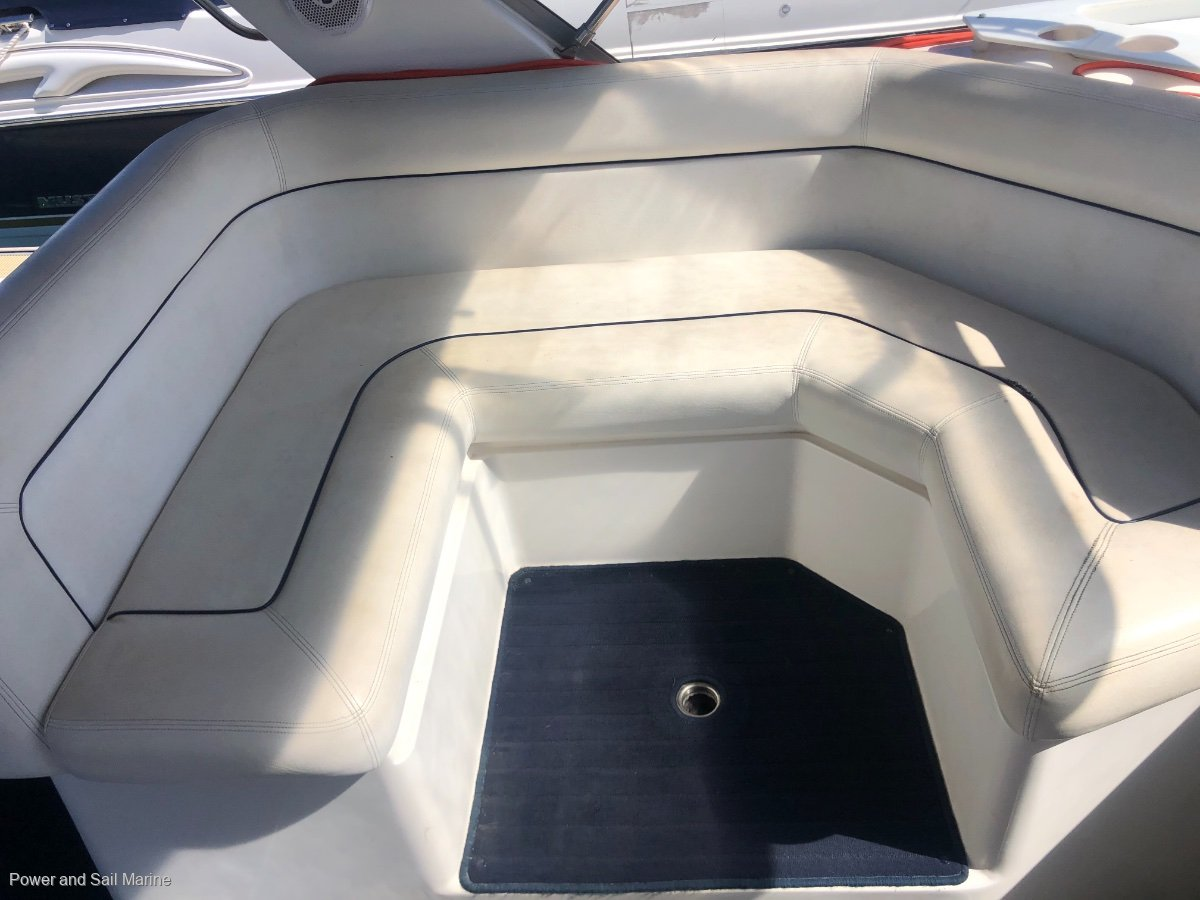 Mustang 3400 Wide Body the ideal weekender, manifolds and risers (2020)
