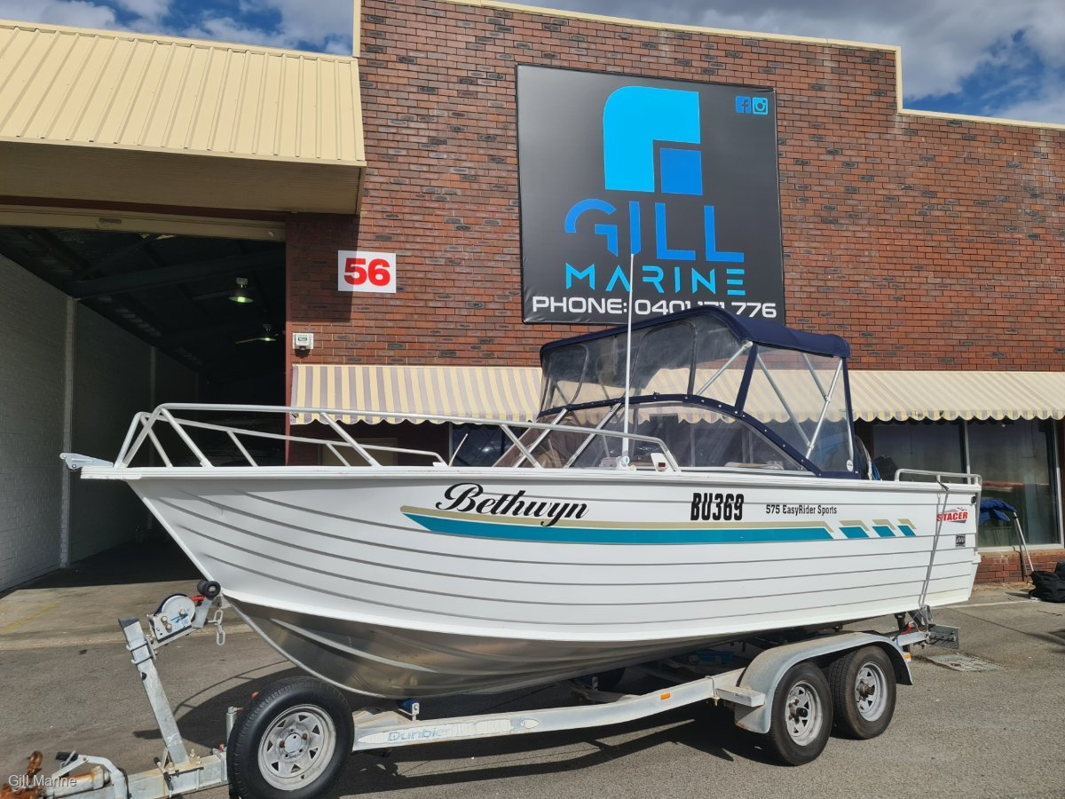 """Stacer 575 Easy Rider Sports WELL MATAINED faimily fishing boat """"BOW RIDER"""""""