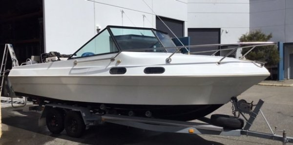 Voyager Marquis 20ft - 115hp EFI Mercury 4Stroke - Tandem Axel