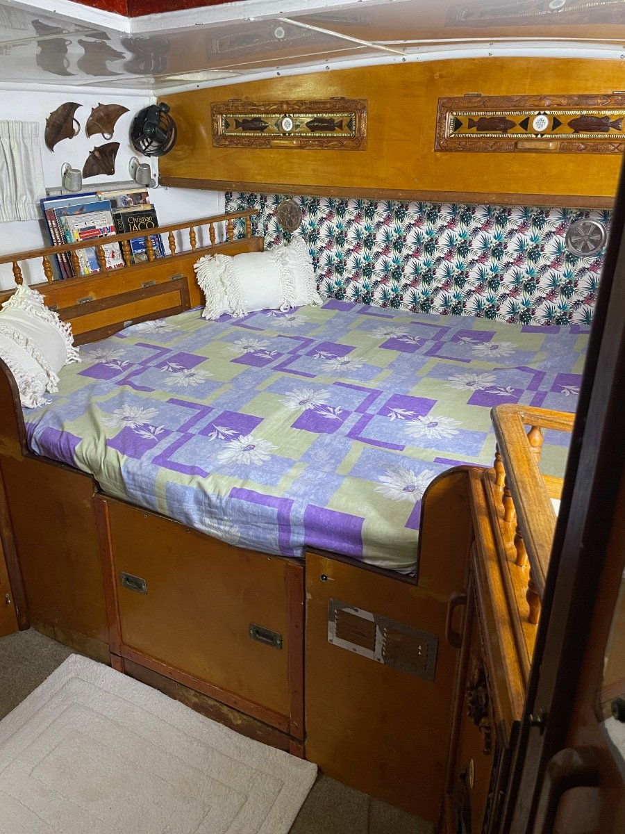 Roberts 36 Ketch low profile with Aft Cabin