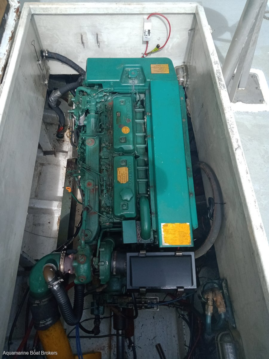 Cray & Fishing Vessel Suit Single Handed Operation