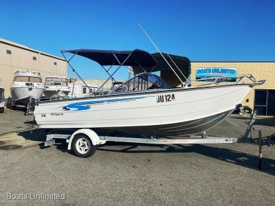 Stacer 579 Sportster BOW RIDER FITS THE LARGER FAMILY SUPER LOW HOURS!!