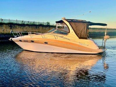 Four Winns Vista 318 Sportscruiser- Click for more info...