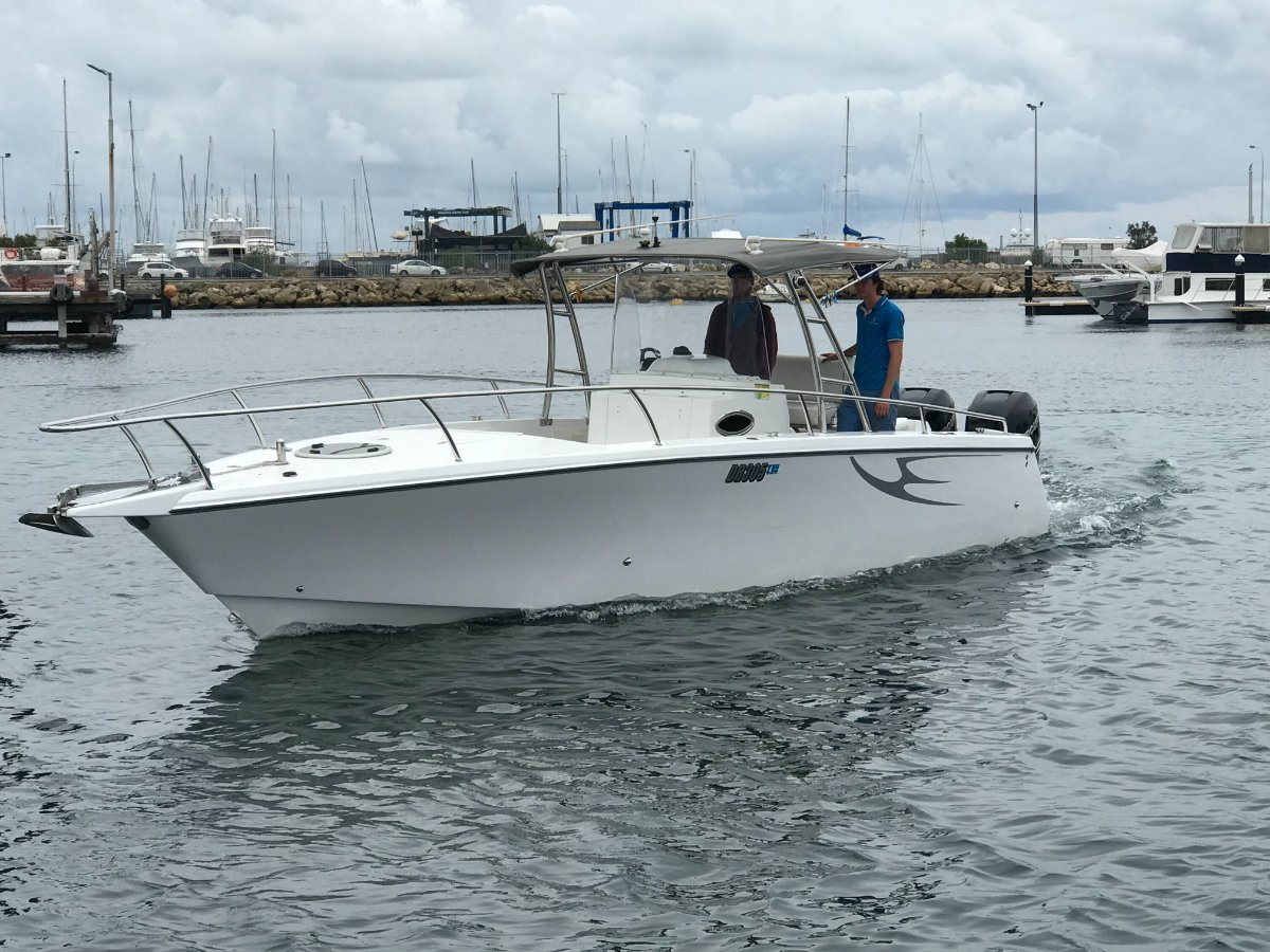 """Comet Bay Thunder 31 Center Console """"INDOOR STORAGE RACK AVAILABLE"""":COMET 31 by YACHTS WEST MARINE 9335 7788"""