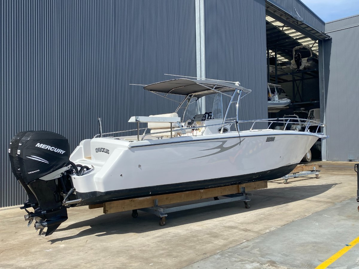 """Comet Bay Thunder 31 Center Console """"INDOOR STORAGE RACK AVAILABLE"""":JUST DETAILED"""