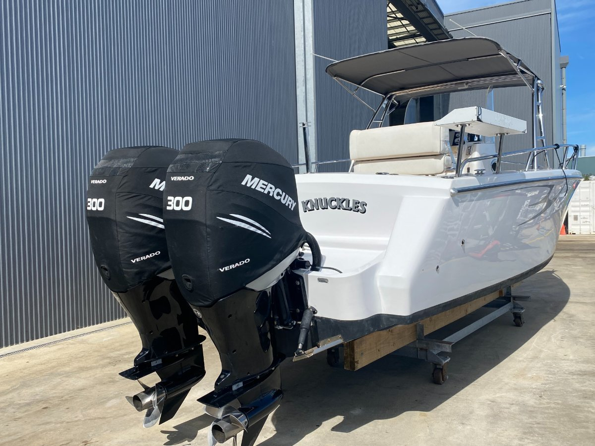 """Comet Bay Thunder 31 Center Console """"INDOOR STORAGE RACK AVAILABLE"""""""