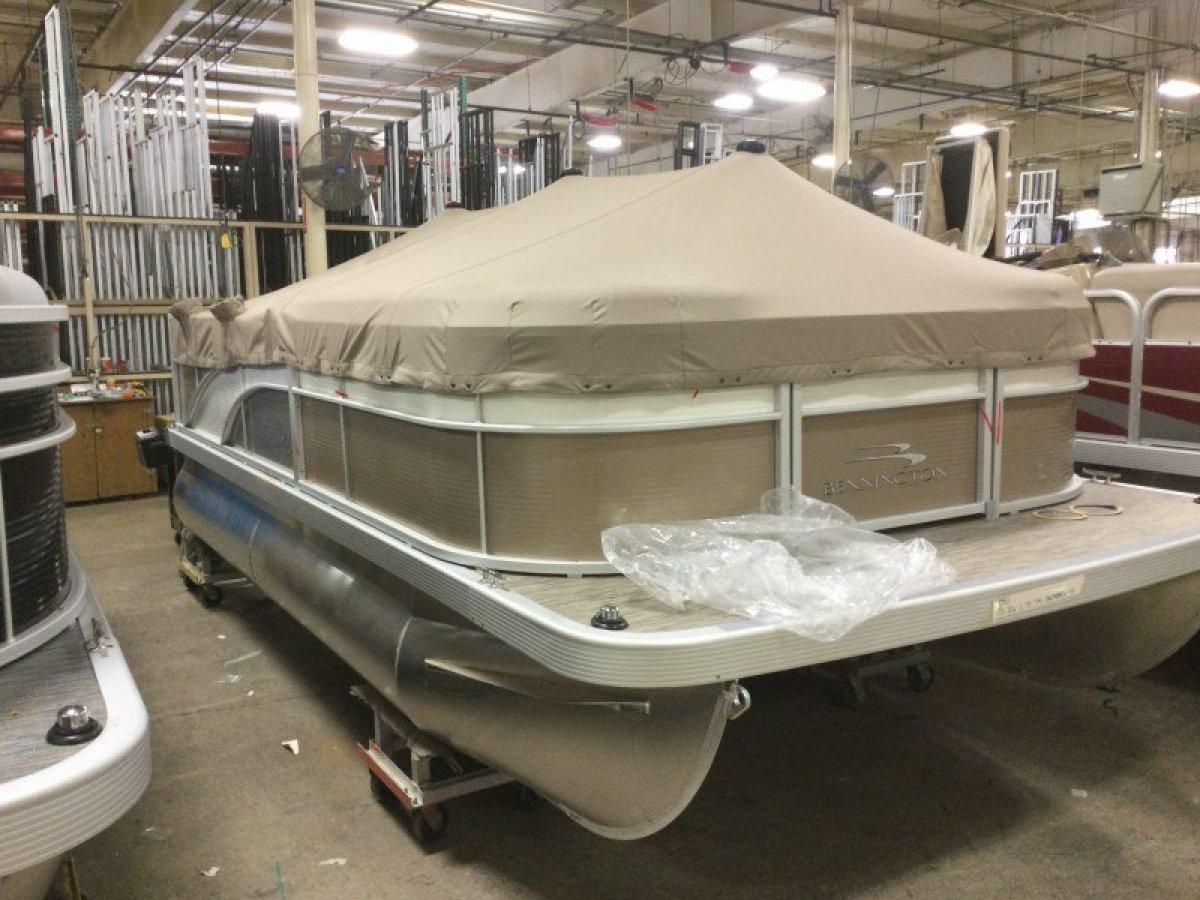 Bennington Pontoon Boat 16SL
