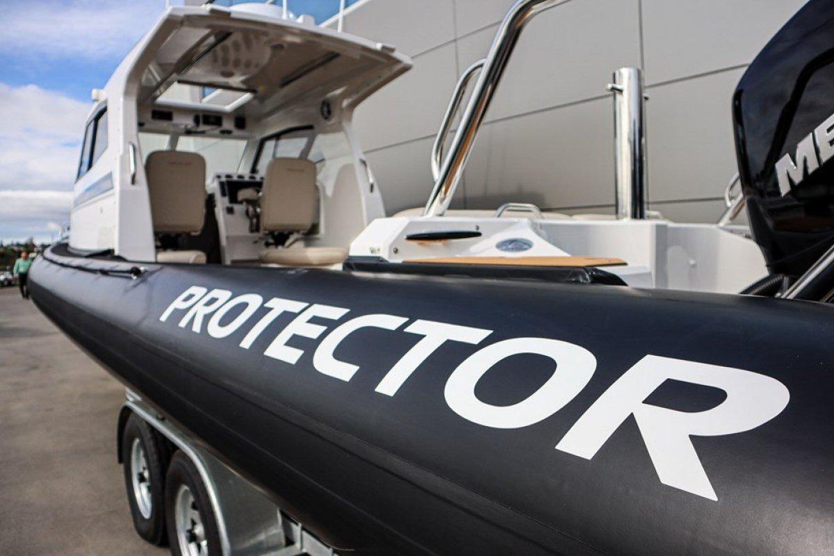 Protector 330 Targa RIB