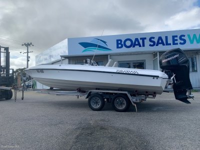 Haines 2100 Barr Boat
