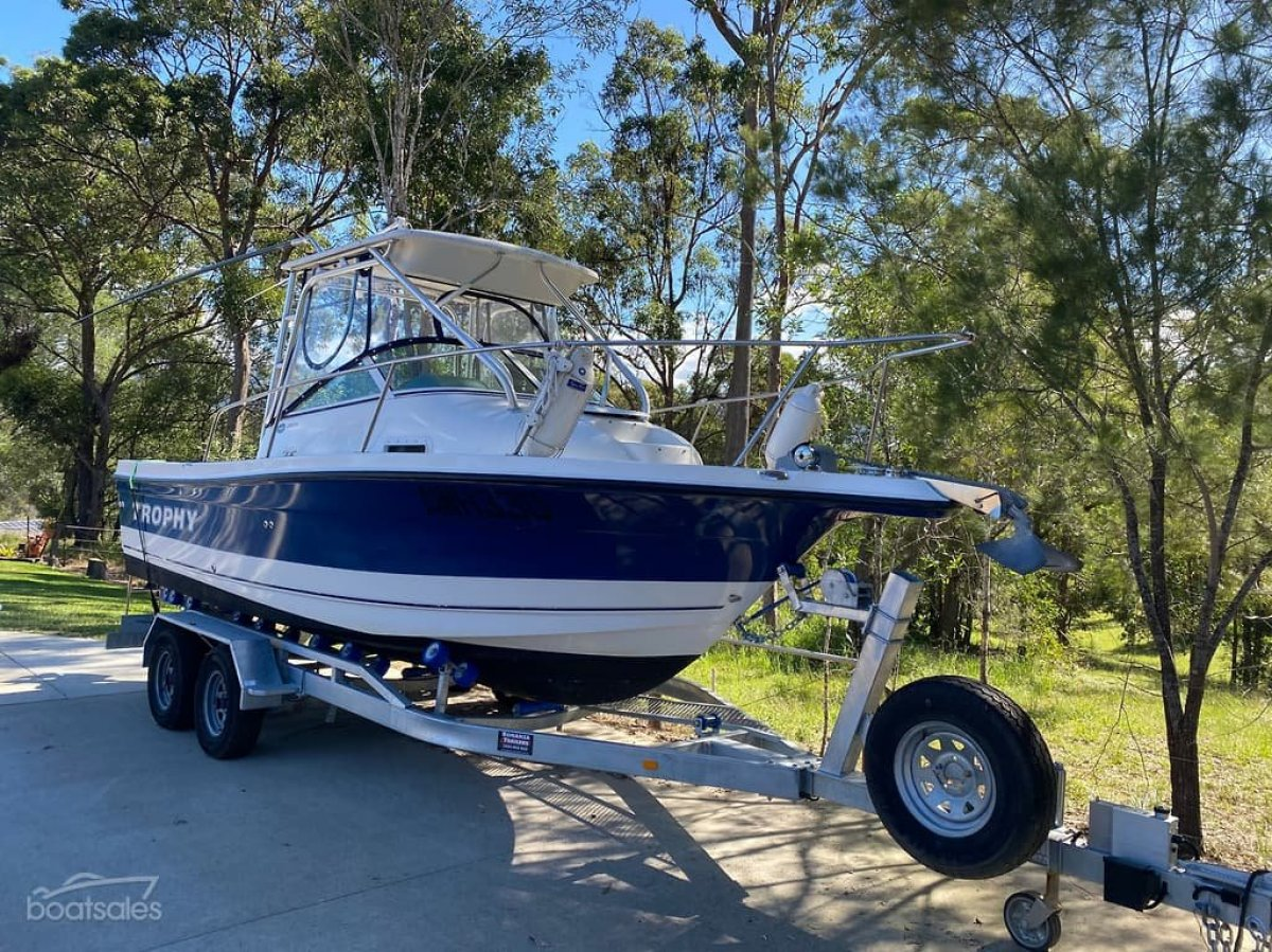 Trophy 2152 Walkaround Trophy 2152 WA blue Hull 2010 second owner 200hrs