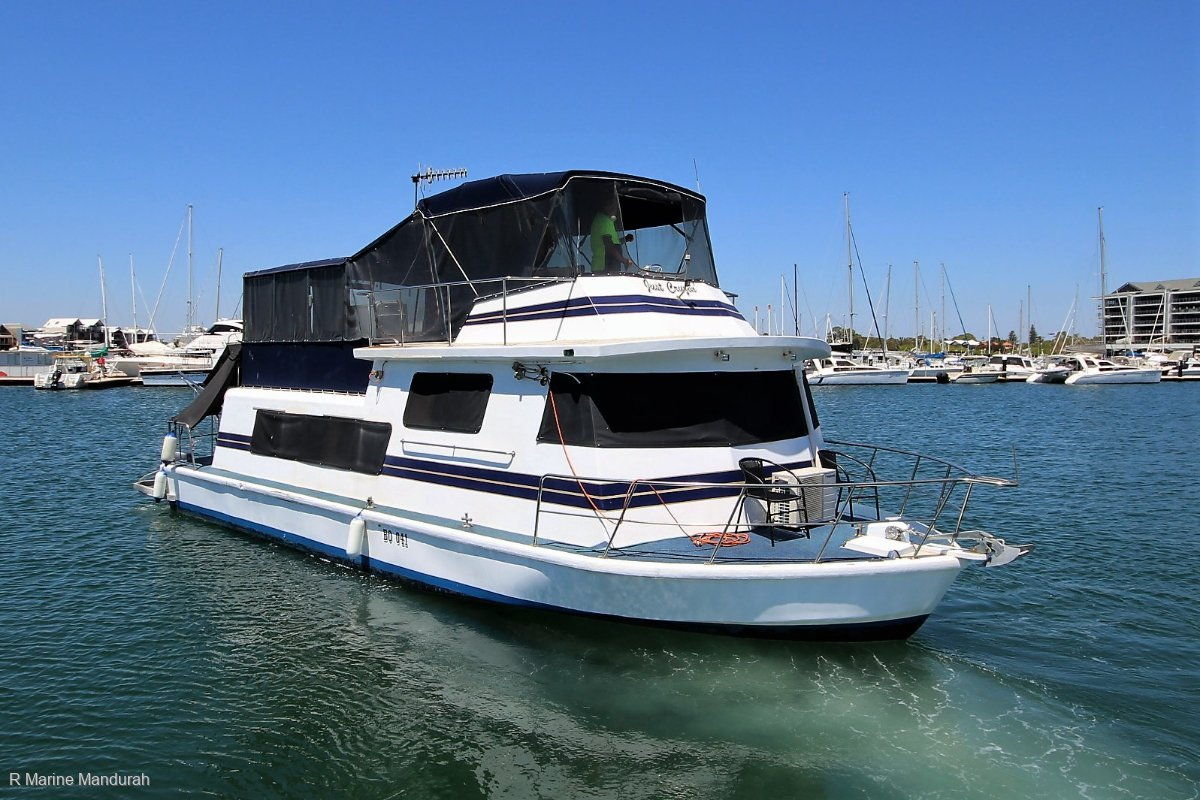 Custom House Boat - LIVE ABOARD ** $ 159,990 **