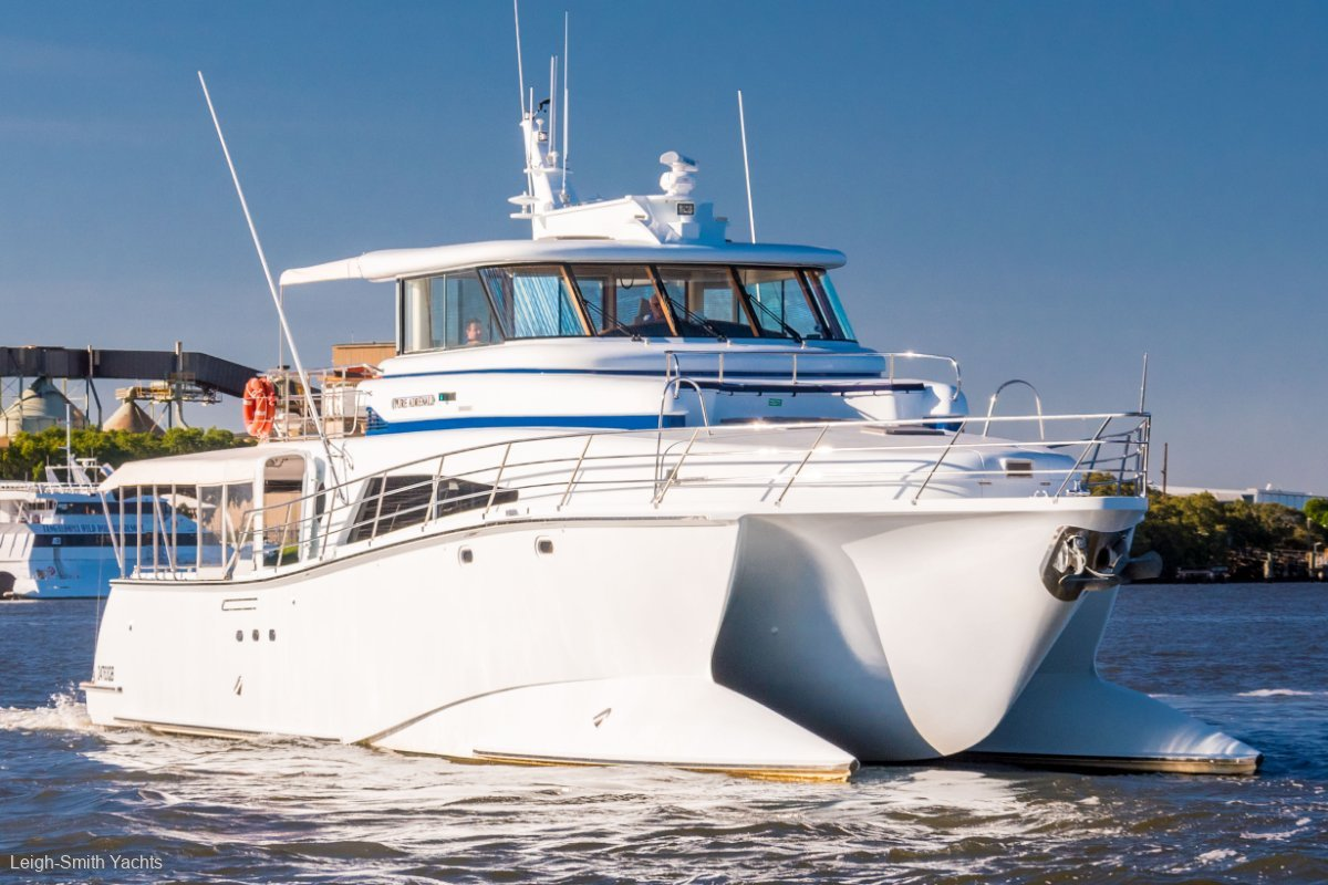 Azzura 89 Power Catamaran
