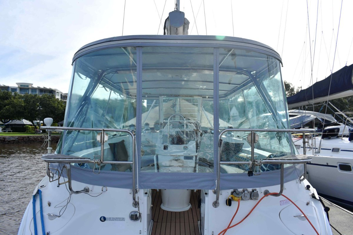 Hunter 46 - with an amazing enclosed cockpit!
