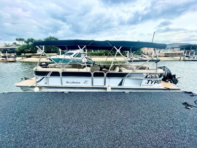 Misty Harbor Biscayne Bay 2585CU party pontoon
