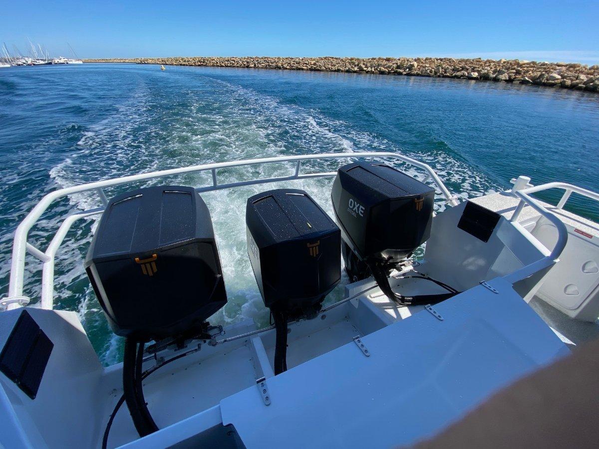 Saltwater Commercial Boats 11.99 Patrol Boat Crew Transfer, Workboat
