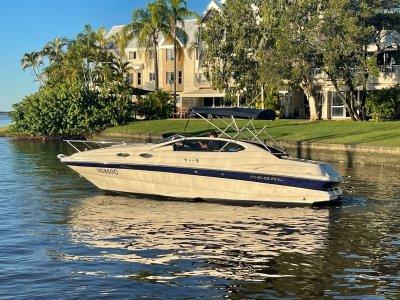 Regal 2550 LSC Cuddy Cabin Sport cruiser