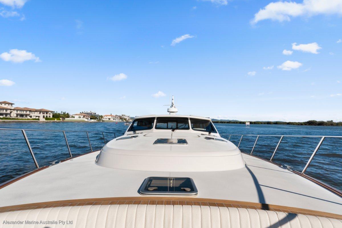 Palm Beach Motor Yachts 65