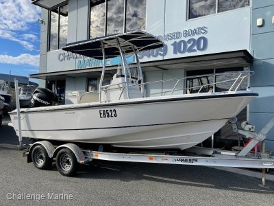 Boston Whaler 190 Outrage 150 Verado just 71 Hrs use
