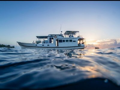 Live the dream-SURF CHARTER boat For sale
