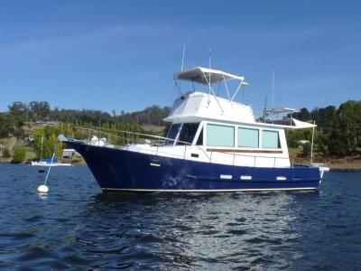 Roberts 32 Flybridge Cruiser
