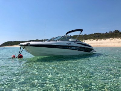 Crownline 200 LS Sporty, sophisticated and luxurious bowrider