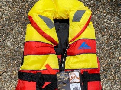 Life jackets * 5