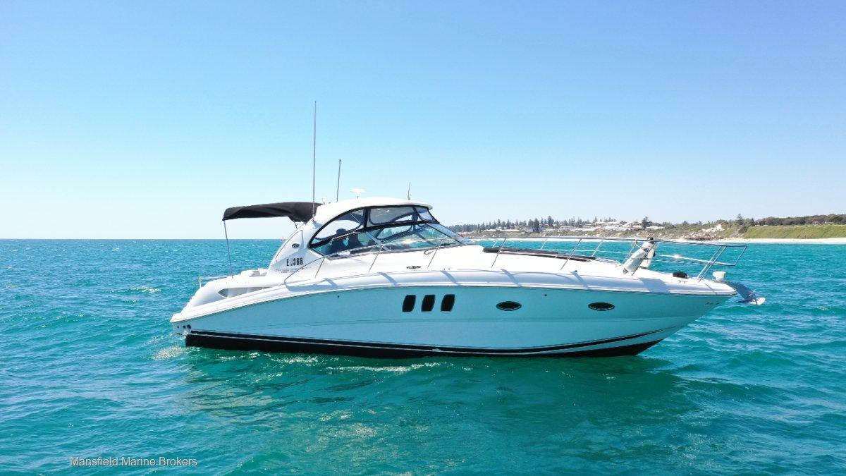 Sea Ray 390 Sundancer:Elegant profile