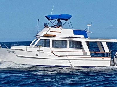 Halvorsen 32 Island Gypsy Flybridge Cruiser- Click for more info...