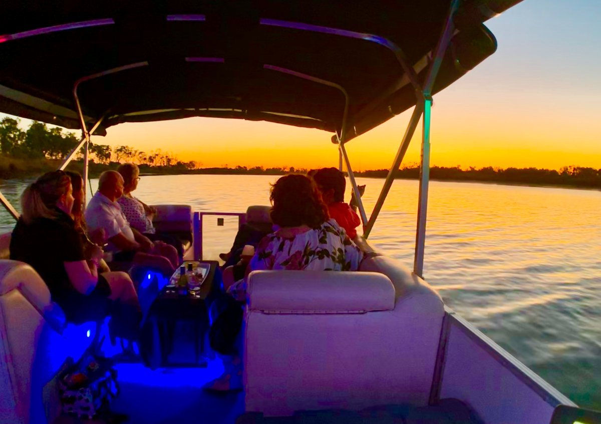 Pontoon - Party Boat