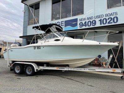 Key West 211 Walkaround with 150hp Yamaha 4 stroke