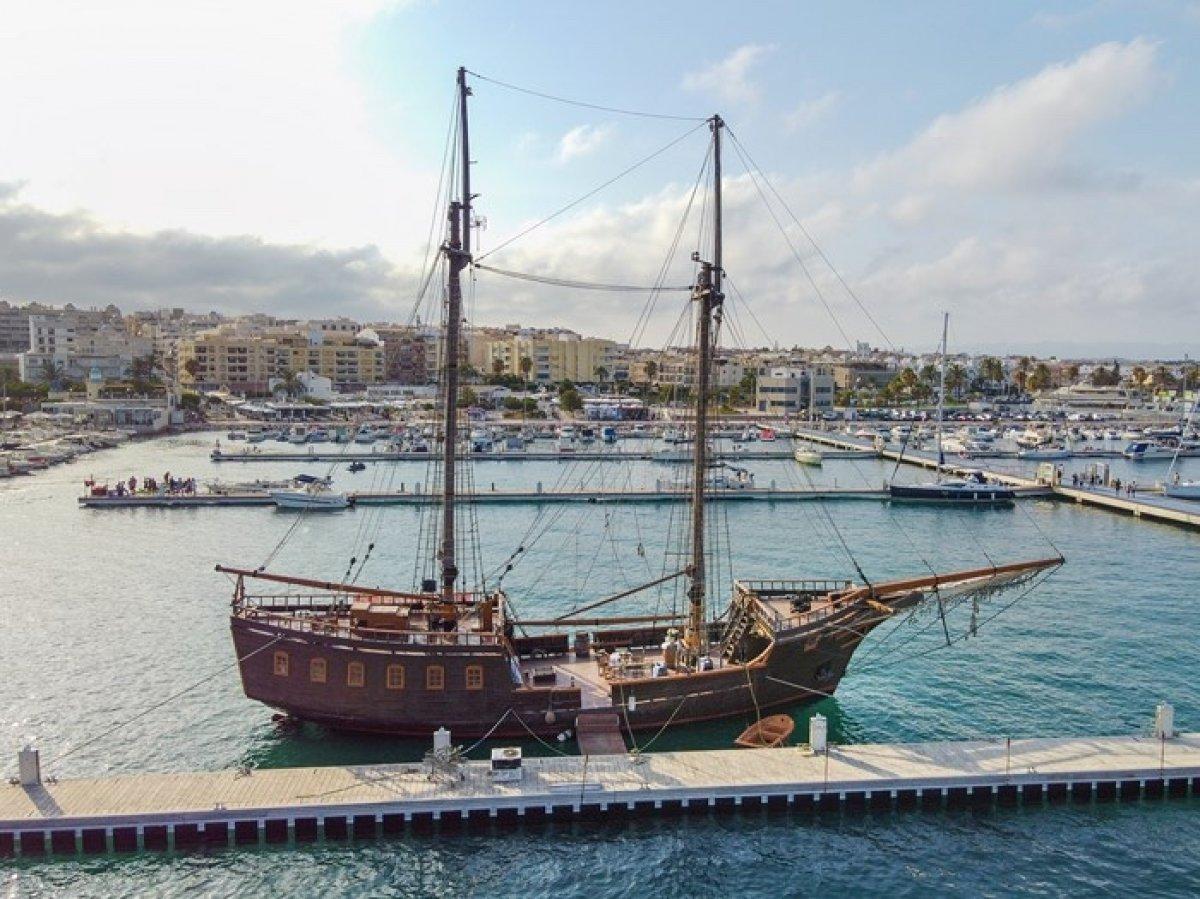 Galeon Pirata Replica S. XVIII