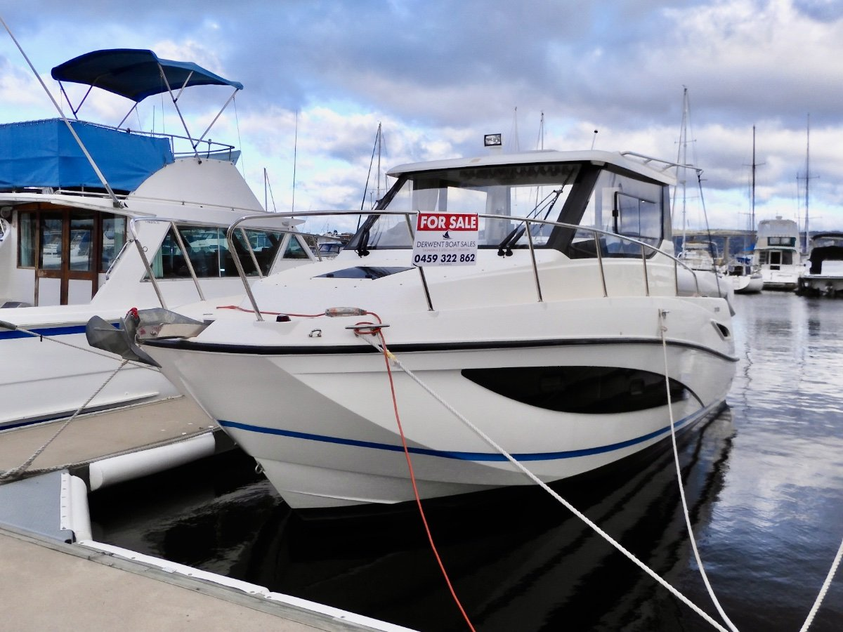 Arvor 855 Weekender EXCELLENT CONDITION, QUALITY THROUGH OUT!