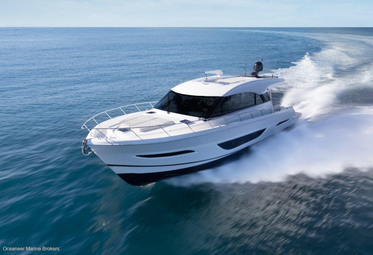 New Maritimo S55 Sedan Motor Yacht