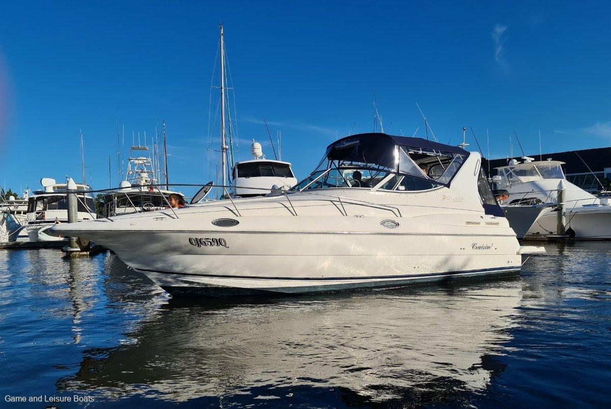 Cruisers Yachts 3075 - 2003MY