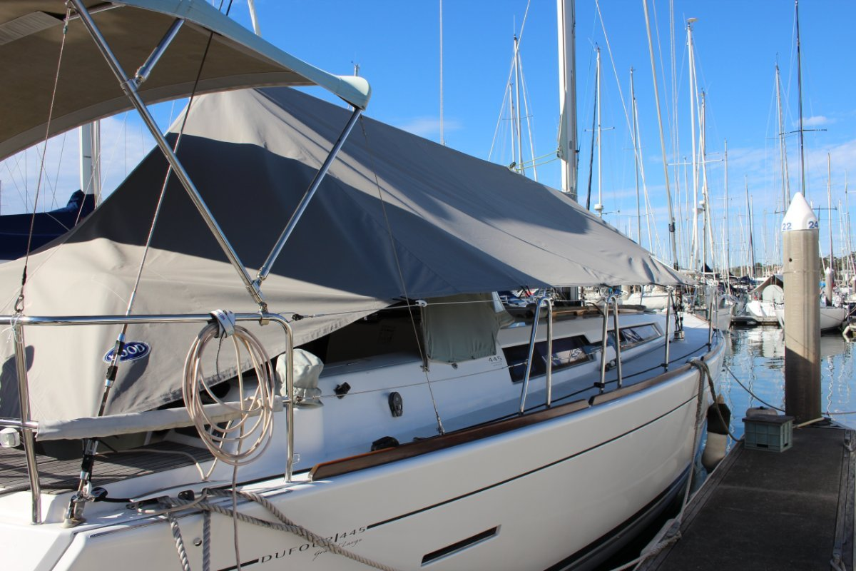 Dufour Grand Large 445