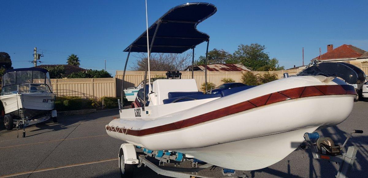 Crestrider 600 RIB Full Fibre glass RIB style hull