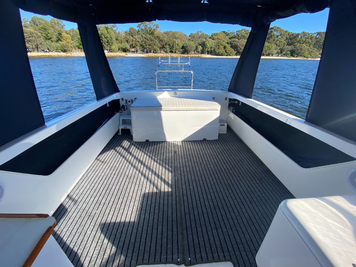 Caribbean 27 Runabout