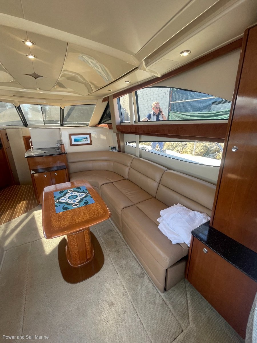 Meridian 341 Let this boat take you into the blue!