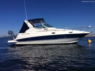 Cruisers Yachts 280cxi Big volume boat and recently anti-fouled