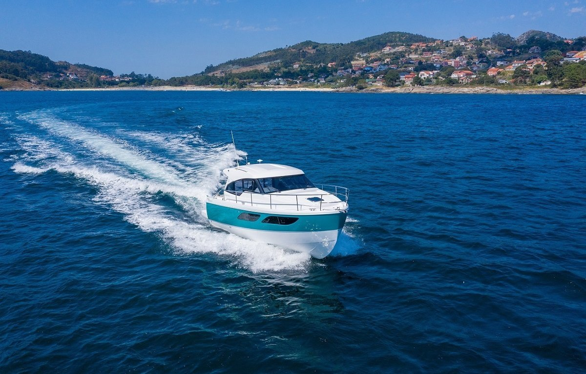 New Rodman Spirit 31 Outboard