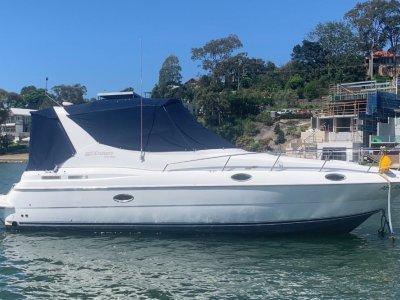 Cruisers Yachts 3075 Shaft drive