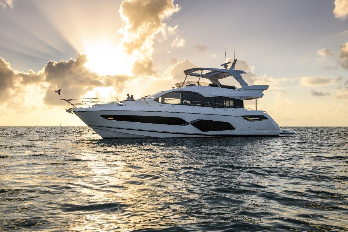 2021 New Sunseeker Manhattan 68 Flybridge Motor Yacht