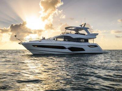 Sunseeker Manhattan 68 Flybridge Motor Yacht