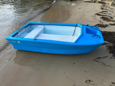 Finn Spindrift 2.4 Dinghy Tender Rowboat fishing Poly Can Deliver