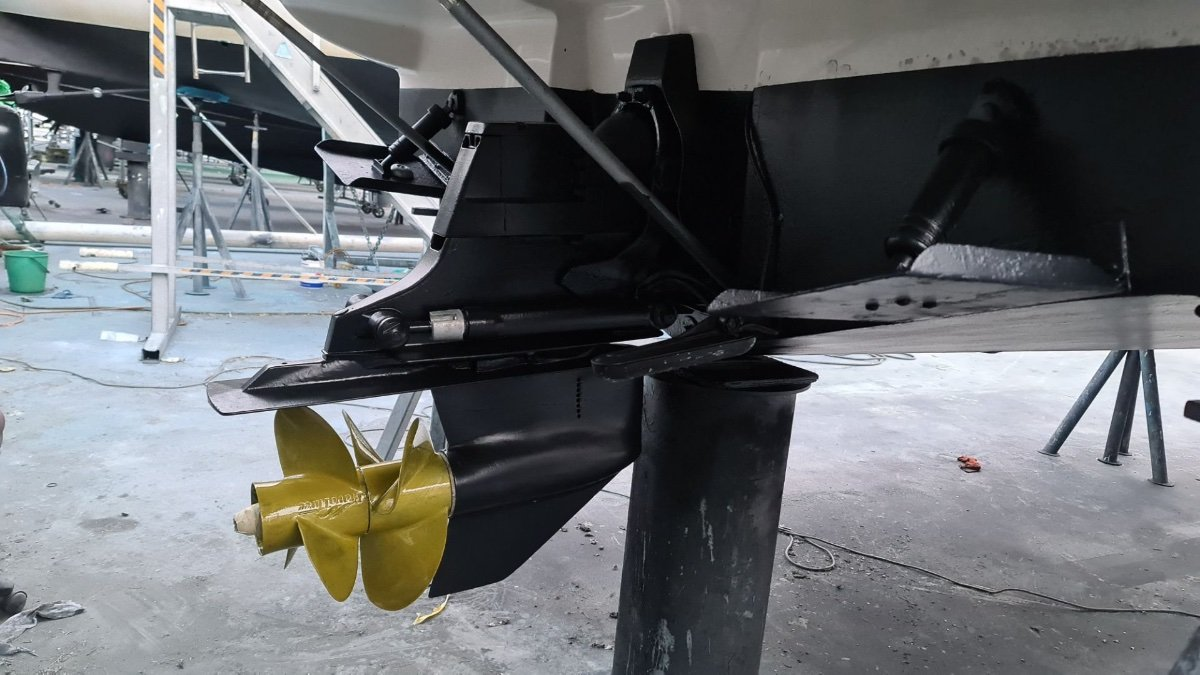 Sea Ray 245 Sundancer with extended swim platform!
