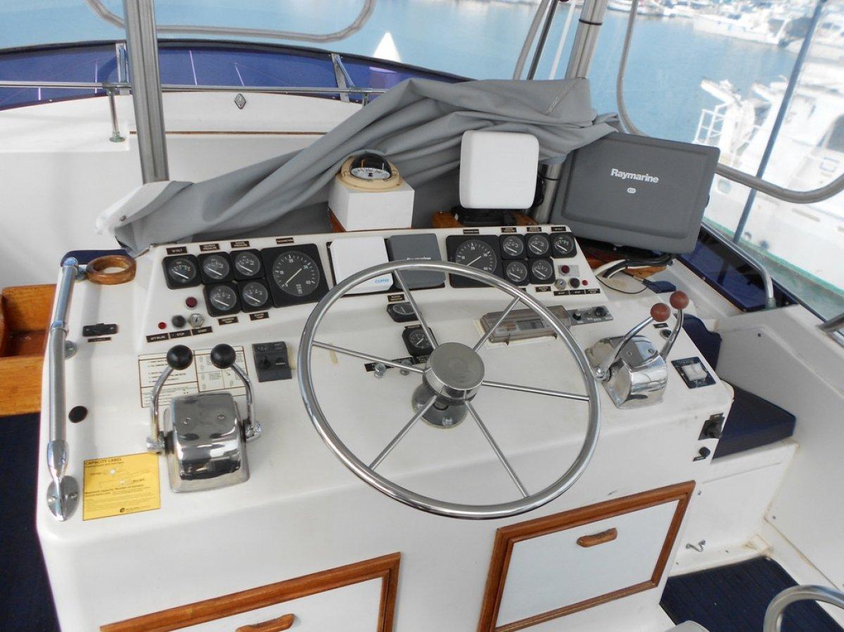 Mariner 43 Flybridge Huge Price Drop. Owner says sell.
