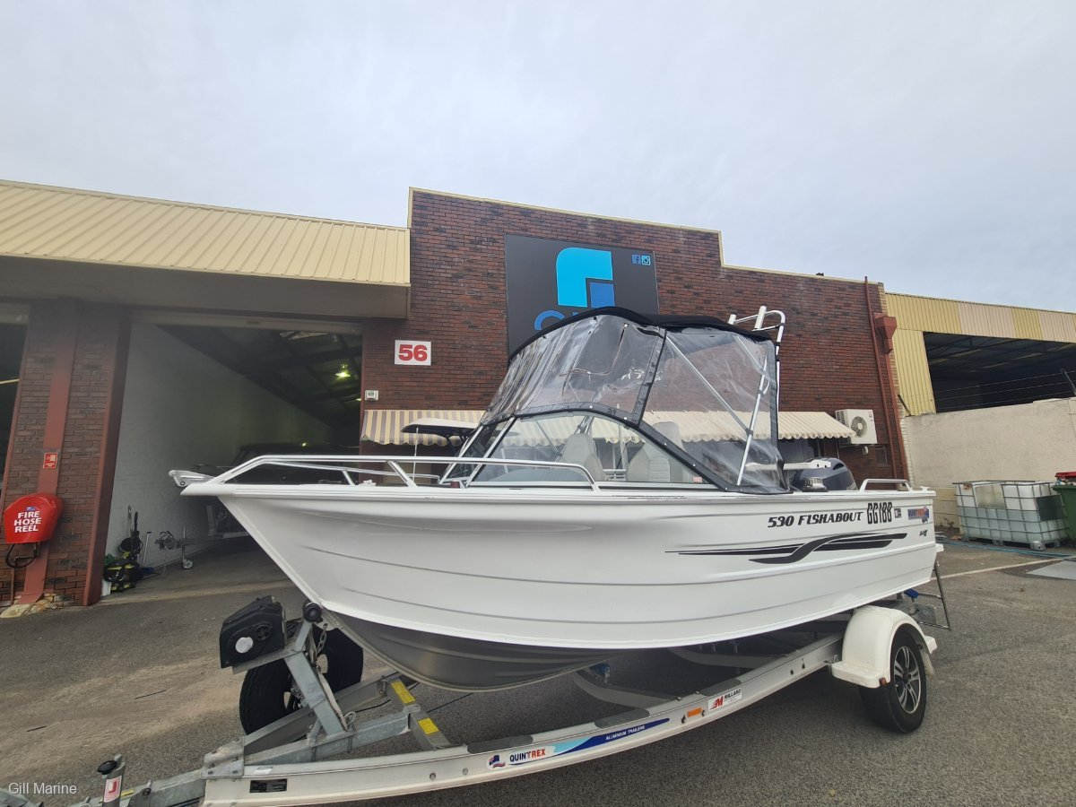 Quintrex 530 Fishabout 2017 EXTREMELY LOW HOURS CRAY TIPPER AND WINCH!!