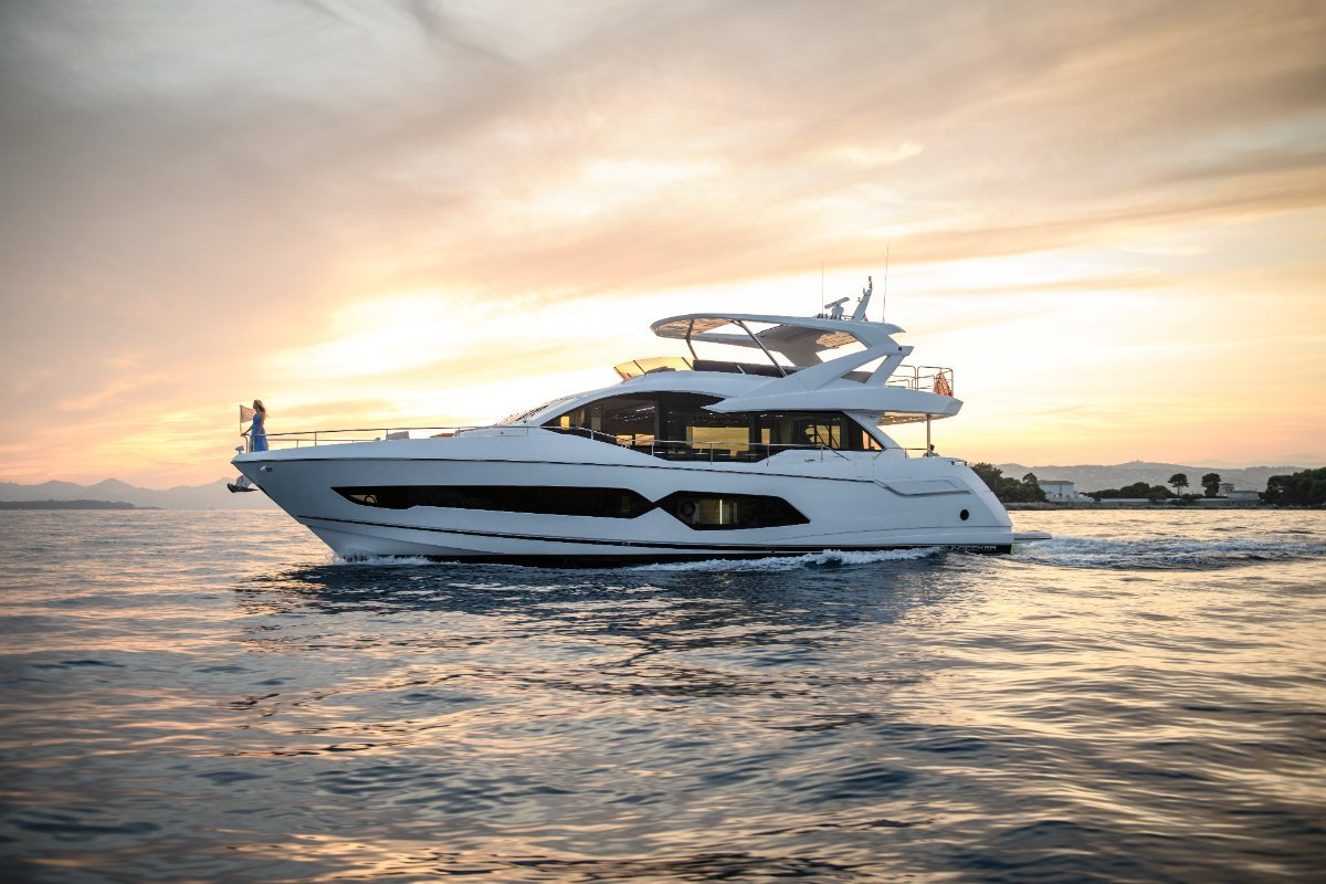 2021 New Sunseeker 76 Yacht Flybridge Motor Yacht