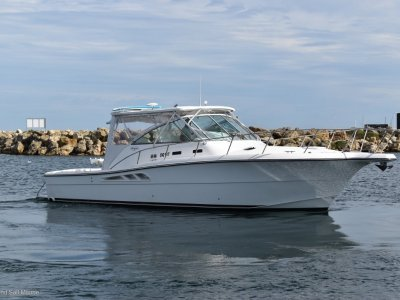 Rampage 38 Express - suit Riv 4000 buyer- Click for more info...