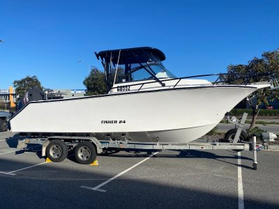 VMax 24 Offshore Sportfisher Twin 300Hp engines...- Click for more info...